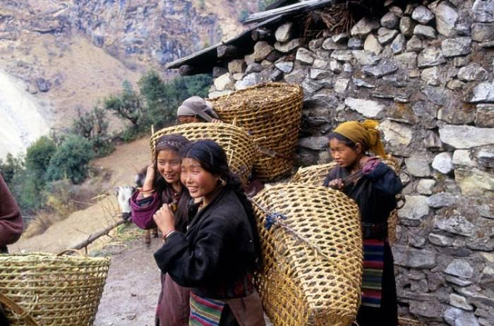 Manaslu-Kvinder-Sama