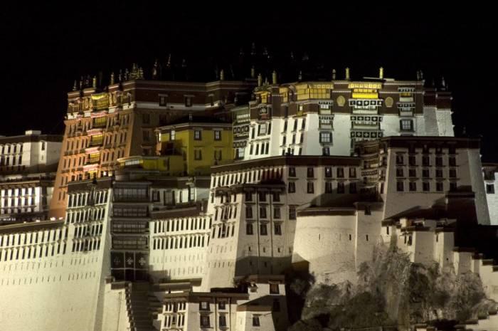 Første møde med Lhasa