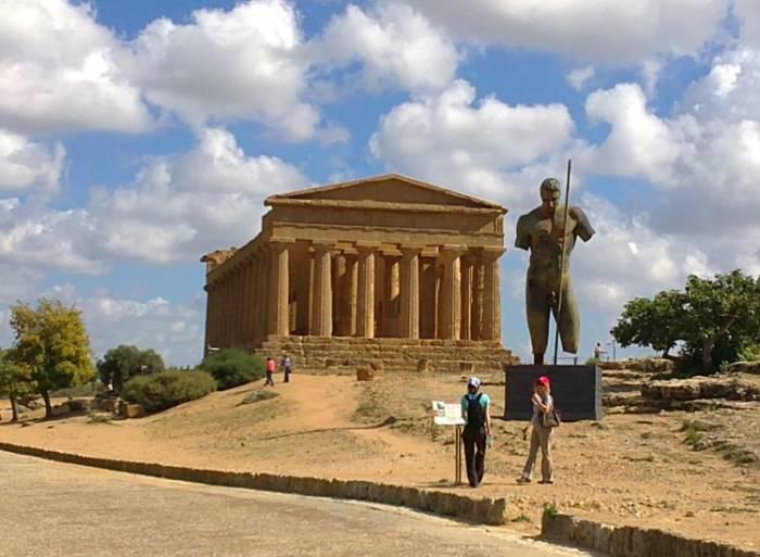 Agrigento-templernes-dal