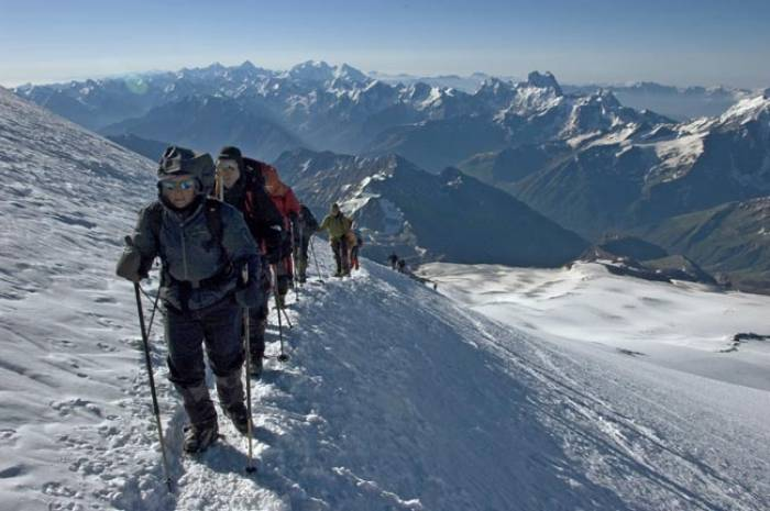 Elbrus-Climbing-Group