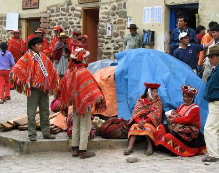 Peru-Ollantaytambo-indianere