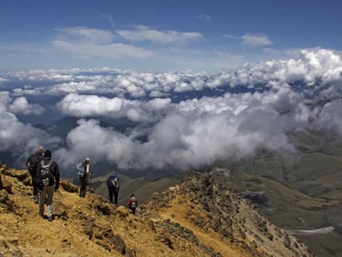 Ilineza bjergene og Nuevos Horizontes hut
