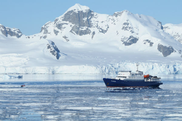 Rejs til Antarktis med skib fra Argentina
