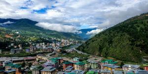 Udsigt over landsby i Bhutan