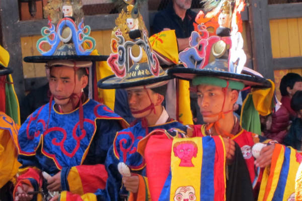 Befolkningen i Bhutan er ofte klædt farverigt