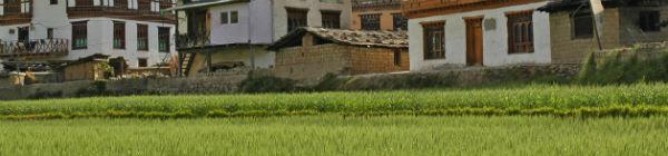 besøg de små bjerglandsbyer i Bhutan