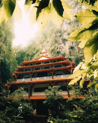 Besøg de smukke templer, når du rejser til Borneo og Malaysia