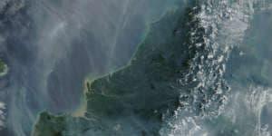 Sådan ser Borneo ud oppe fra