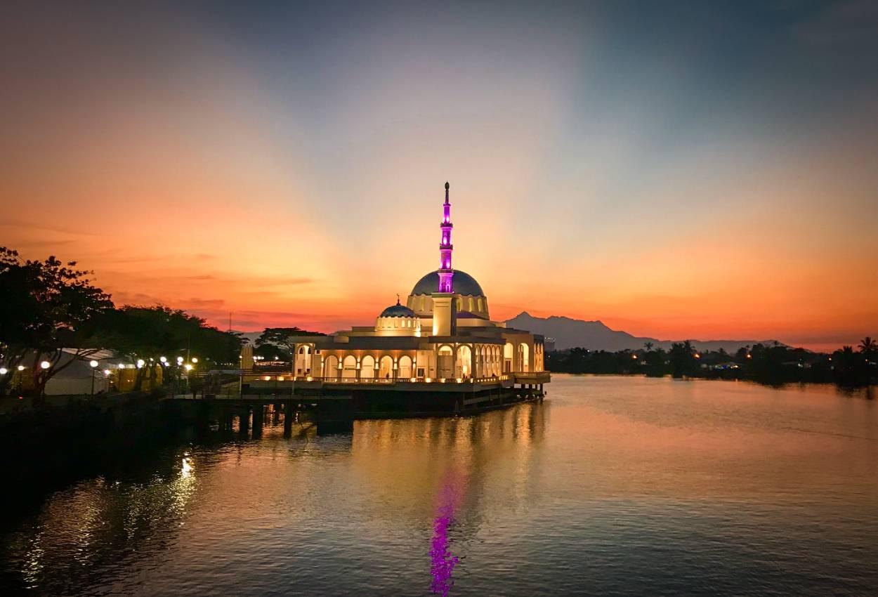 Oplev storbyen, Kuching på din rundrejse i Borneo