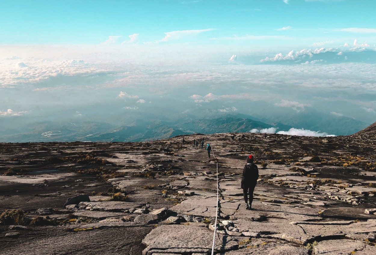 Bestig Mt. Kinabalu på din rundrejse i Borneo