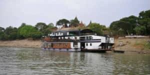 Rejs med flodbåd gennem Myanmars smukke floder