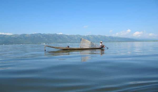 Lad din rejse gå til Inlesøen i Myanmar, hvor du kan komme med på sejltur
