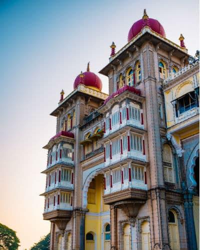 Indisk udsmykning på bygning