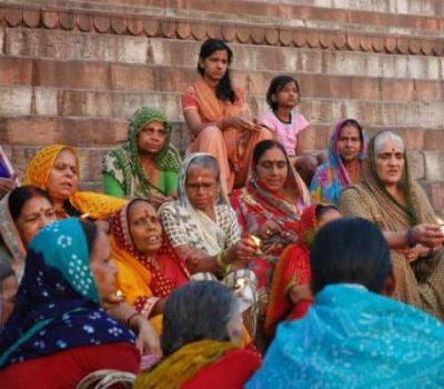Kvinder med indisk tøj