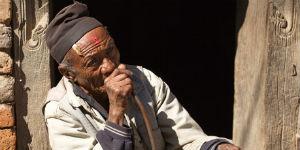 Ældre mand i byen Newar