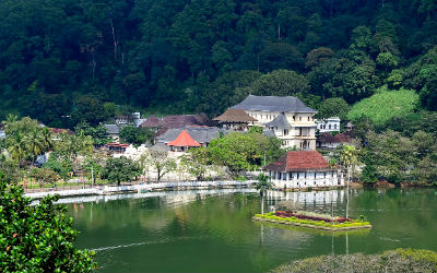 Kandy er Sri Lankas buddhistiske centrum