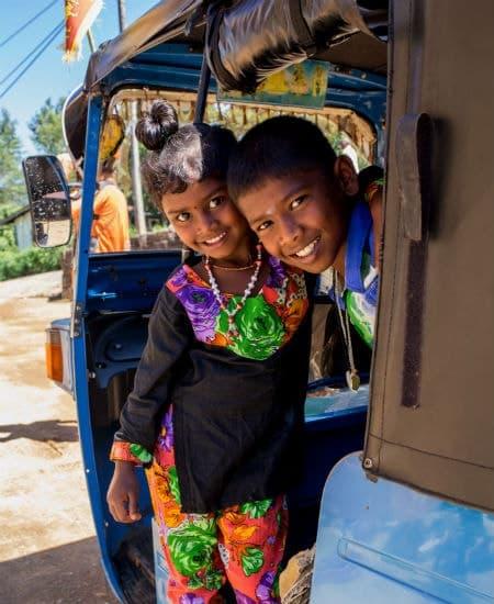 På rejser til Sri Lanka kan du møde den venlige lokalbefolkning