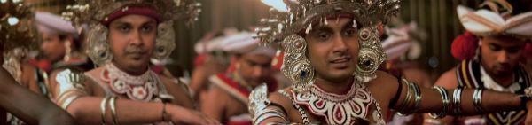 Oplev den fantastiske festival omkring templet, når du rejser til Kandy på Sri Lanka