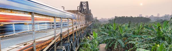 Tag på togrejse i Vietnam