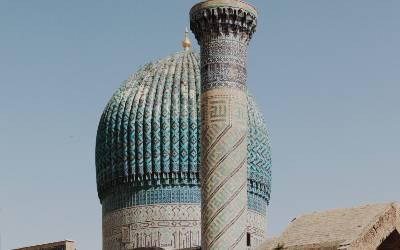 Oplev Bibi-Khanum Moskeen på din rejse til Centralasien