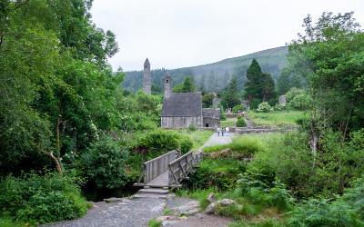 Besøg Glendalough på din rejse til Irland