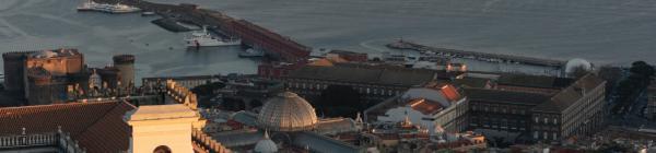 Oplev Duomo di Napoli på din rejse til Italien