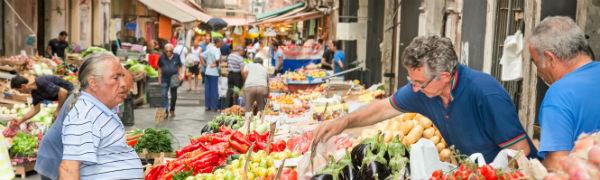 markedsplads-paa-ferie-en-sicilien