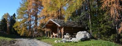 Find vandring i Dolomitterne i Italien