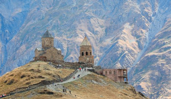 Oplev Tsminda Sameba på din rejse til Kaukasus