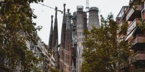 Besøg La Sagrada Familia i Barcelona på din rejse til Spanien
