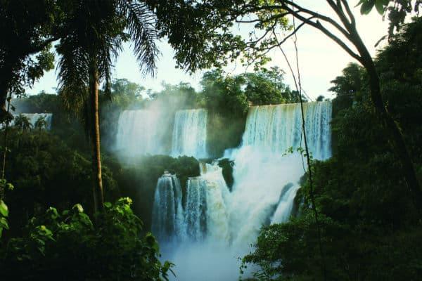 Iguazu er et populært naturfænomen på Argentina rejser